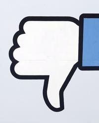Kritika Facebooku: Libra pristup k bankovemu uctu neriesi