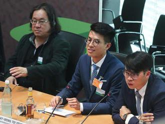 Na univerzite v Číne už recitujú Botta
