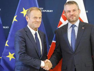 Pellegrini sa na úrade vlády stretol so šéfom Európskej rady Tuskom