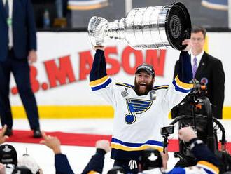 Chára neozdobil rekord Stanleyho pohárom. Prvýkrát ho získalo St. Louis
