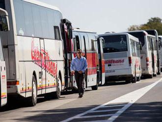 Pri nehode slovenského autobusu v Maďarsku sa zranilo 10 detí a 3 dospelí