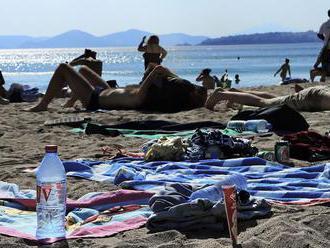 Naše dovolenkové destinácie sa plnia plastmi