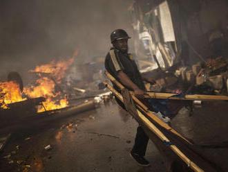 Súd v Egypte poslal v súvislosti s terorizmom za mreže 296 osôb