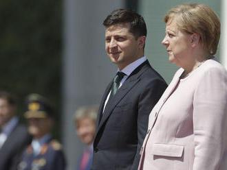 Sankcie voči Rusku sa zrušia až po obnovení zvrchovanosti Ukrajiny, vyhlásila Merkelová
