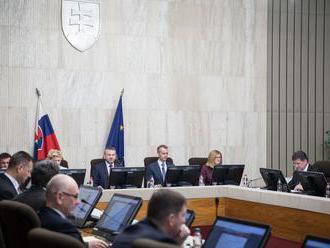 Rokovanie vlády o športovej infraštruktúre i financiách pre SND