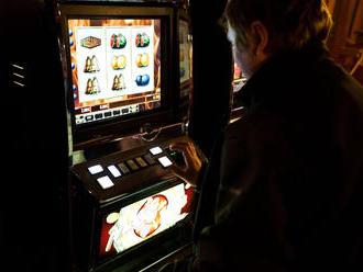 Prvé krajské mesto úplne zakázalo hazard na svojom území