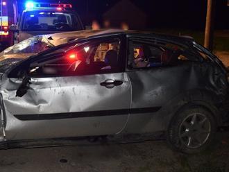 Dvaja mladí ľudia sa zranili pri nehode na severnej Orave
