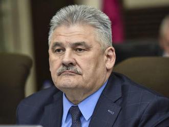 Lekári vyzývajú Richtera, aby odstúpil v súvislosti s chybným konaním SP: Reakcia ministra práce