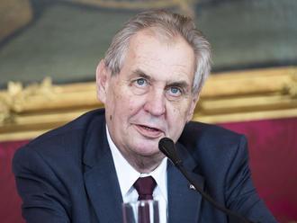 Zeman má dôvod na obavy: Návrh ústavnej žaloby podpísalo už 30 senátorov