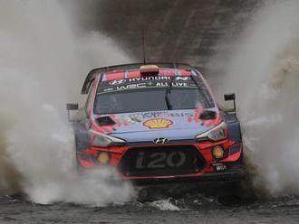 Španiel Dani Sordo s autom Huyndai i20 triumfoval na Rely Sardínie