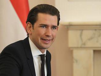 Rakúsky exkancelár Kurz odmieta spojenie so škandálom FPÖ, správy považuje za falošné