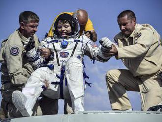 Traja astronauti sa vrátili z Medzinárodnej vesmírnej stanice na Zem, vo vesmíre strávili 204 dní