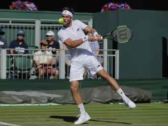 Gombos postúpil cez prvé kolo kvalifikácie Wimbledonu, Lacko, Horanský aj Martin vypadli