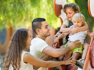 Rodičovský príspevok sa výrazne zvýši: Pracujúcim ženám o 150 €, nepracujúcim len o 50 €