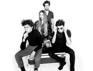 The Youniverse zverejnili videoklip k singlu Silver. Už dnes vystúpia na Pohode
