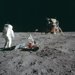 Před půl stoletím poprvé přistáli na Měsíci lidé