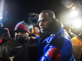 Zpěvák R. Kelly opět skončil ve vazbě kvůli sexuálním obviněním