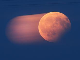 V noci bude možné pozorovat částečné zatmění Měsíce