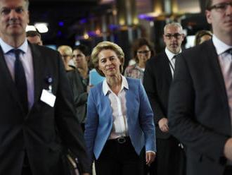 Politico: Von der Leyenová naznačila, že z EK odejde Selmayr