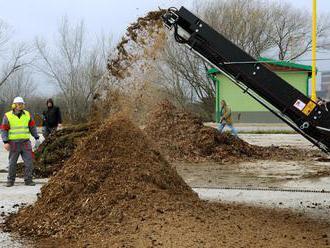V Handlovej založili prvý kompost, radnica ho chce vrátiť obyvateľom