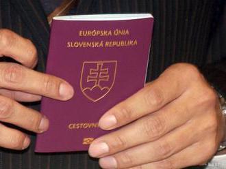 O vrátenie slovenského pasu požiadalo 882 ľudí, získalo ho zatiaľ 782
