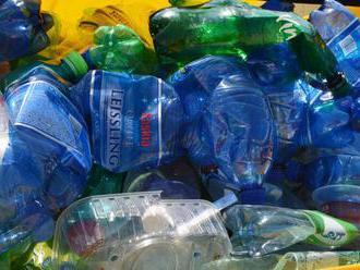 Projekt PET kanoe na Dunaji približuje problematiku plastového odpadu