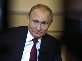 Putin je ochotný rokovať s novým ukrajinským prezidentom