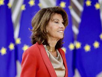 Rakúskym komisárom EÚ by mal byť naďalej Hahn, navrhuje Bierleinová