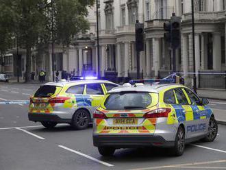 Britská polícia identifikovala podozrivého z úniku depeší