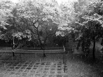 Poetická místa nikoho na pražském sídlišti. Vítězné snímky z fotosoutěže Prostor