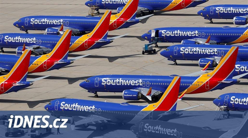 Boeing bude uzemněný i na Nový rok. Aerolinky odpískaly návrat v září