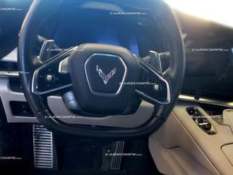 Interiér nové Corvette odhalen únikem, je stejně revoluční jako její koncepce