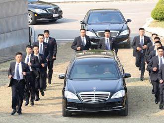 Kim Čong–un propašoval do země mnohem víc zakázaných aut, než se předpokládalo