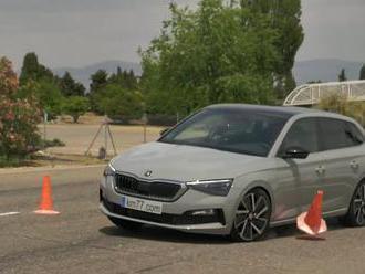 Podívejte se, co předvedla Škoda Scala ve své nejlepší verzi v losím testu