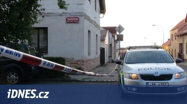 Lupič přepadl v Dolních Chabrech cizince, po pachateli pátrá policie