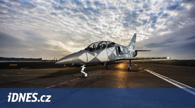 Vydržet let střemhlav. Aero testuje nový lehký bitevník L-39