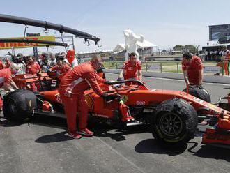 V kamióne Ferrari našli ilegálnych migrantov, zadržala ich polícia