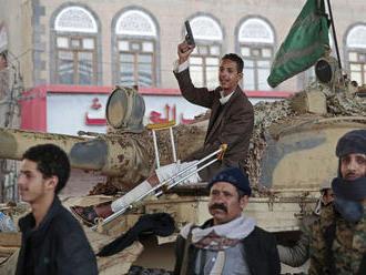 Jemenskí povstalci vyzvali koalíciu vedenú Saudskou Arábiou, aby sa stiahla