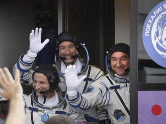 K ISS mieri nová trojčlenná posádka