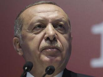 Bojovníci Islamského štátu sa na videu vyhrážali Erdoganovi