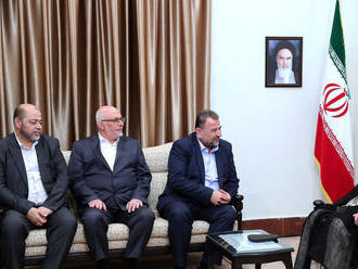 Chameneí: Cieľom mierového plánu USA je zničiť palestínsku identitu