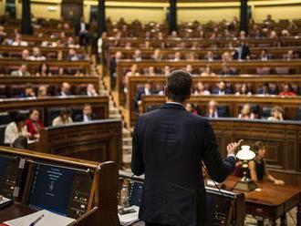 Španielsky premiér Pedro Sánchez načrtol vládny program s cieľom získať podporu