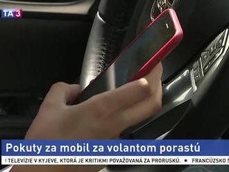 Pokuty za mobil za volantom porastú. Budú prísne ako v Nemecku