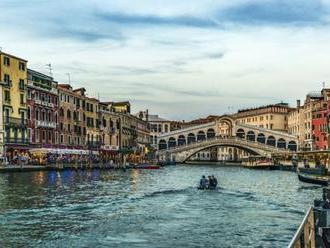 Dvoch turistov   vyhodili z Benátok! POZOR, podobnej chyby sa môžete dopustiť aj vy