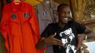 Zomrel Mandla Maseko, ktorý mal ísť ako prvý africký astronaut do vesmíru