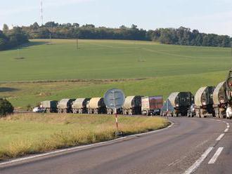 Cez Slovensko sa bude presúvať vojenská technika zahraničných vojsk, na cestách budú obmedzenia