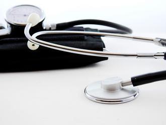 Dechtice prídu o státisíce eur na obnovu zdravotného strediska, obec z toho viní lekárov