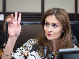 Ministerka Kalavská zváži demisiu, ak neprejde stratifikácia nemocníc