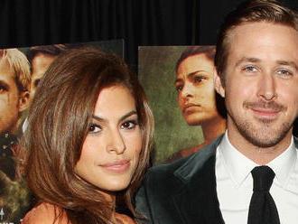 Krásna fotka. Hollywoodsky pár sa teší z nového prírastku!