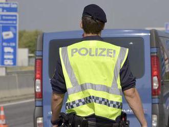 Nadrogovaný Slovák   chcel ujsť policajtom, narazil do pumpy